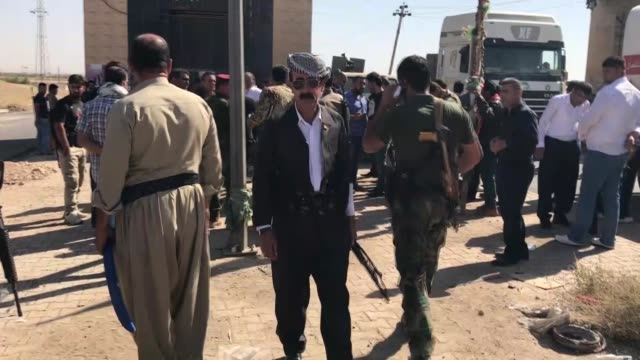 Peshmerga with ties to the Kurdistan Democratic Party deploy at ErbilKirkuk border on October 19 2017 in Erbil A day earlier Iraqi forces entered...