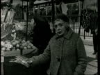 Petticoat Lane Christmas shoppers ENGLAND Petticoat Lane General views and vox pops of shoppers in Petticoat Lane Market MISSING***