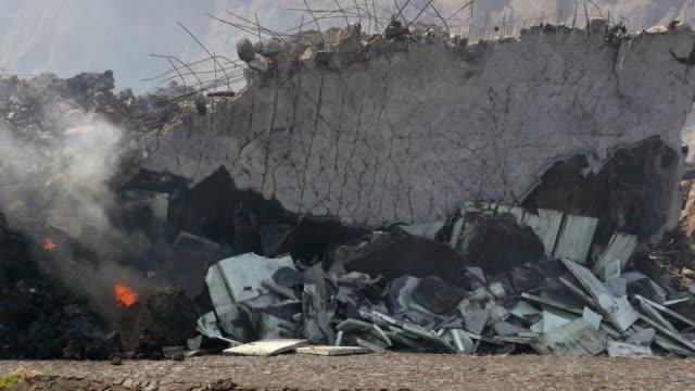 Pico do Fogo: eruption and lava flow