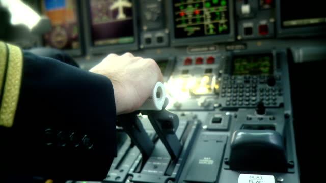 Pilot pushing power handle