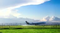 plane landing to airport