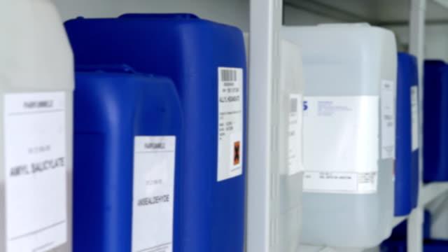 Plastikbehältern