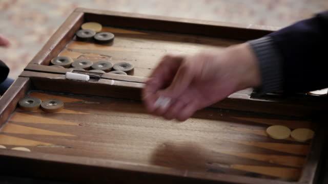 Play Backgammon