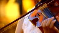 play violin