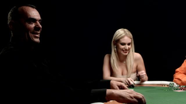 HD DOLLY: Spaß spielen Poker player