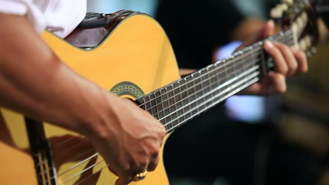 playing guitar HD1080p