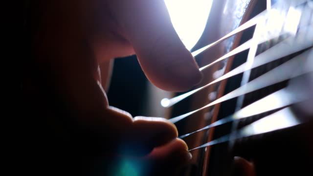 Perfekten Akkord zu spielen