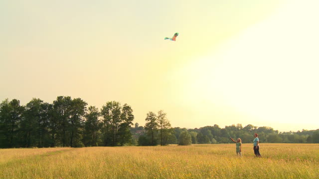 HD CRANE: Playing With A Kite