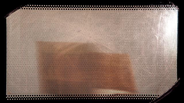 Popcorn maken in de microwawe