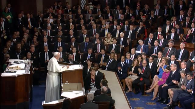 Pope Francis earns lengthy applause with confidence that United States can move against climate change quotes excerpts on the issue from 2015 writing