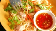 Schweinefleisch mit Sauce Thai-Küche