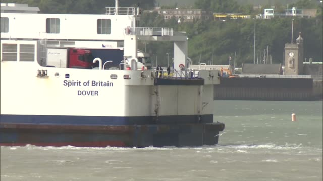 Port of Dover fears trade bottleneck after Brexit Port of Dover general views White cliffs PAN shipping containers / PO ferry 'Spirit of Dover' /...