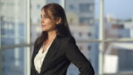 MS Portrait of businesswoman / Singapore