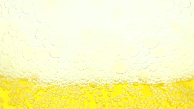 Eingießen Bier-Zeitraffer
