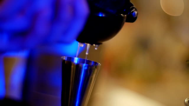 Pouring drink - Stock Footage