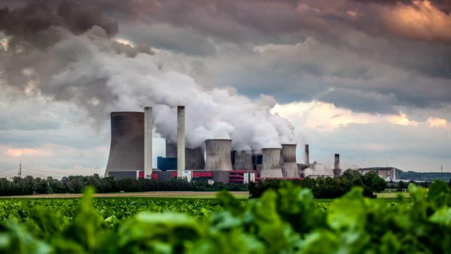 TIME LAPSE: Power Plant