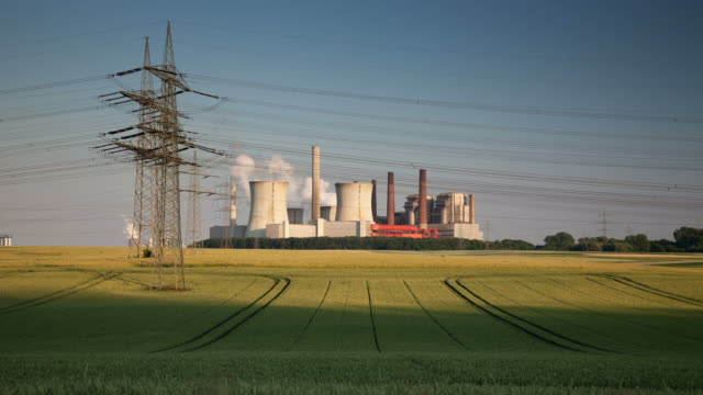 DOLLY TIMELAPSE: Power Station