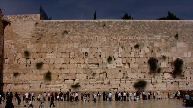 Praying in the Western Wall
