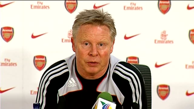 Arsenal v Liverpool postmatch press conference Sammy Lee press conference SOT On Adebayor being sent off / On Robbie Keane's confidence needing to...