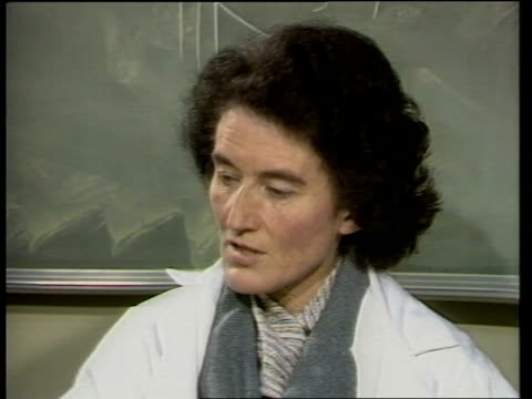 Prenatal diagnosis of genetic disorders MS DR BERNADETTE MODELL INTVW 'The basic problem ' MS Doctors' looking at lab test