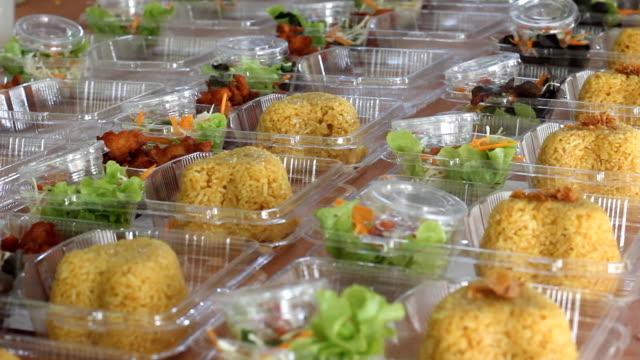 prepare thai food lunch box