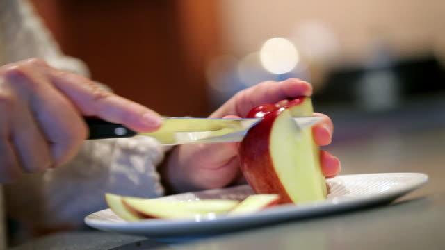 Preparing an Apple