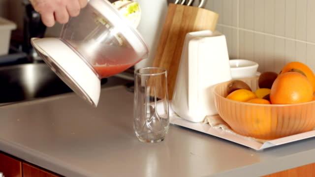 Preparing natural mixed fruit juice