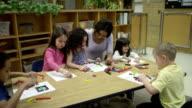 Educazione di scuola materna di Arti e Mestieri