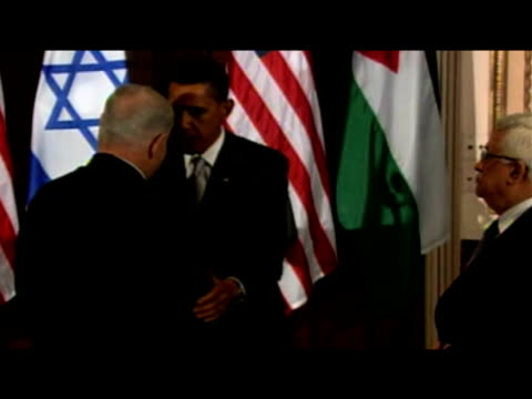 President Obama President Abbas and Prime Minister Netanyahu shake hands following Middle East negotiations meeting New York 22 September 2009
