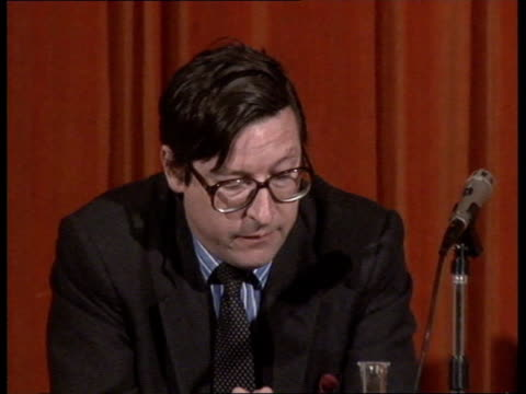Right of Reply Bill **** FOR RUSHES SEE CR87 amp CR92 ENGLAND London Delegates seated Stewart Purvis seated Max Hastings speaking SOF Stewart Purvis...