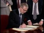 Prime Minister John Major and President Boris Yeltsin sign joint declaration of friendship 10 Downing Street 30 Jan 92