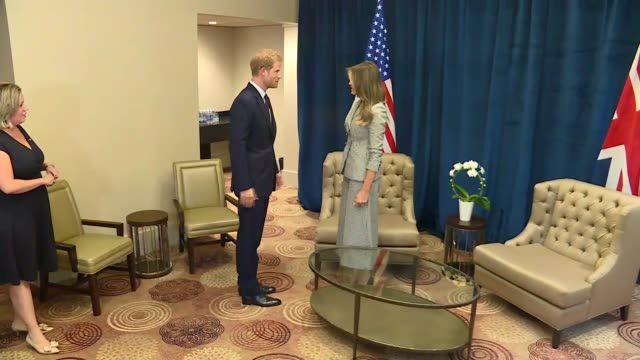 Ontario Toronto PHOTOGRAPHY*** Melania Trump into room / Prince Harry into room and shakes hands with Melania Trump for photocall / both seated and...