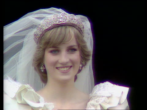 Princess of Wales on balcony smiles and waves at crowd Royal Wedding of Prince Charles and Lady Diana Spencer Buckingham Palace 29 Jul 81