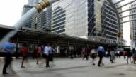 Öffentliche überdachte Fußgängerbrücke Personen, Zeitraffer Business