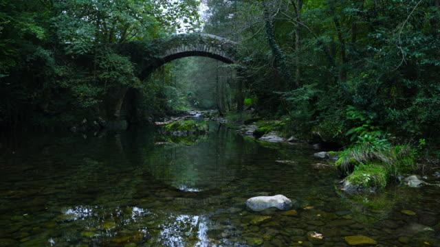 Puente Romano Estilo Barroco Siglo XVIII, Mirones, Miera Valley, Valles Pasiegos, Cantabria, Spain, Europe