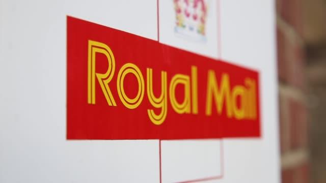 Pull Focus Shot Royal Mail signage