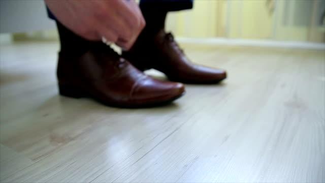 Inserire le scarpe