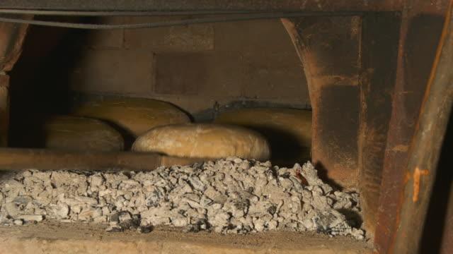 HD: Putting-Brot im Steinofen