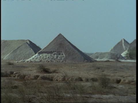 WA pyramids of salt in desert, Gujarat, India