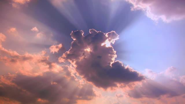 Nuvole di qualità: PULIZIA SEDE 1080 P 4:4: 4 RGB.