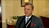 'Quantum of Solace' release Daniel Craig interview ENGLAND London INT Daniel Craig interview SOT Am doing very well / Had some shoulder surgery /...