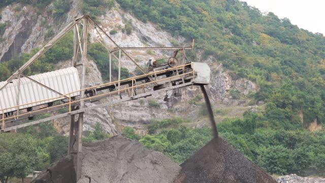 Steinbruch mir Branche Fels Extraktion schweren Maschinen-Ausrüstung