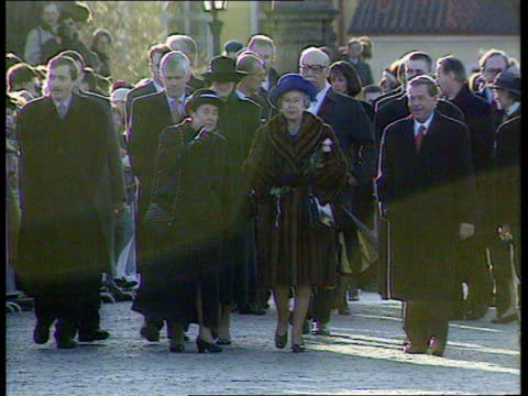 Queen and Prince Philip Collection 7 T27039611 27396 Visit to Czech Republic Prague Queen Elizabeth II towards Queen and Czech President Vaclav Havel...
