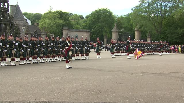 Queen at Ceremony of the Keys at Holyrood Palace SCOTLAND Edinburgh EXT Guard of Honour lined up / dignitaries waiting people arriving / Queen...