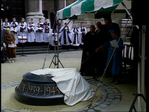 Queen Mother's 99th birthday LIB Queen Mother towards to unveil memorial to victims of the blitz during the second world war Queen Mother unveiling...