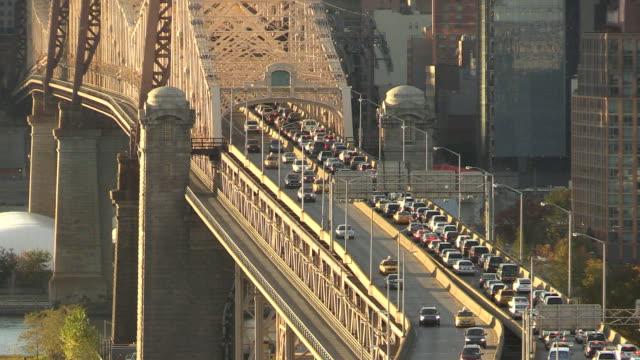 New York City-Brücke Verkehr während der rush hour