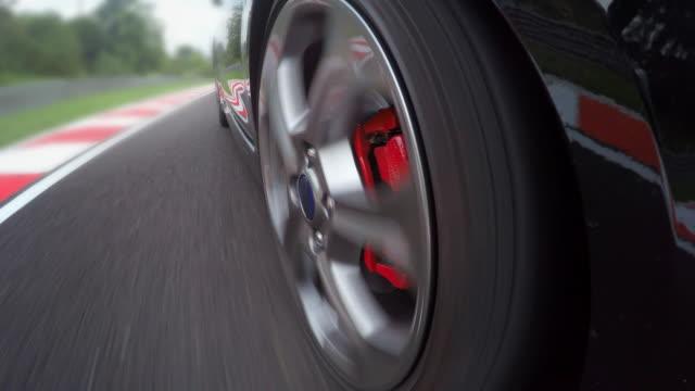 Guida di auto da corsa