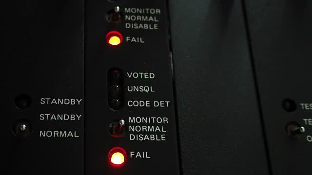 TRUNK Radio LED status flashing
