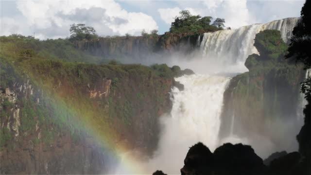 LS A rainbow over Iguazu Falls / Cataratas del Iguazu / Puerto Iguazu, Argentina