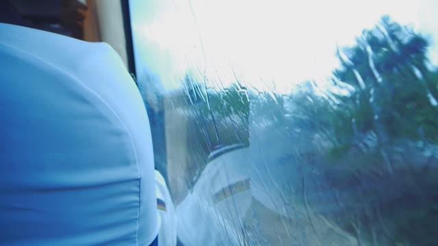 Rainy Fenster im Verkehr.